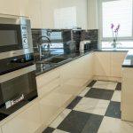 дизайнерски-апартамент-кухня