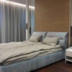 Ламперия зад спалня в дизайнерско жилище