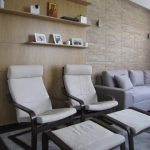 стена с декоративни тухлички